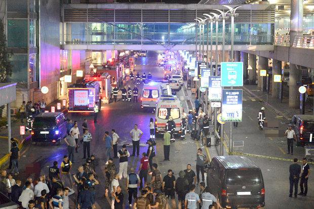 Ataturk-Airport-bomb-blast-in-Istanbul-niharonline