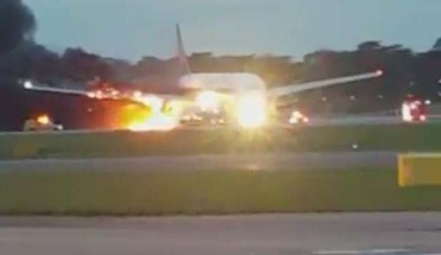 singapore-airlines-plane-catches-fire-niharonline
