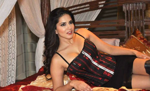 sunny_leone_has_been_thrown_out_of_her_mumbai_residence_niharonline