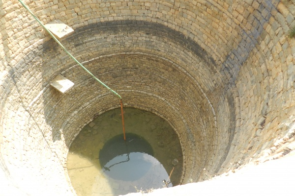 water-comes-out-from-the-well-after-forty-years-niharonline